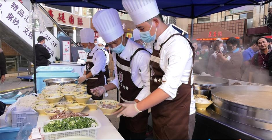 Spicy noodles to tempt Shanghai customers
