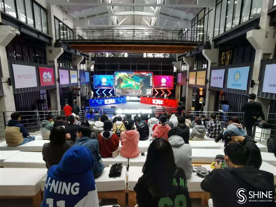 Cross-Strait students are eSports legends