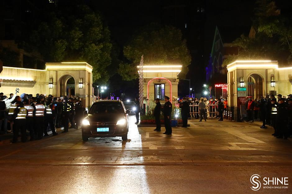 Joy and tears as Pudong residential complex lifts lockdown