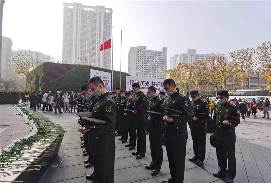 Ceremony honors fallen ofSihang Warehouse battle