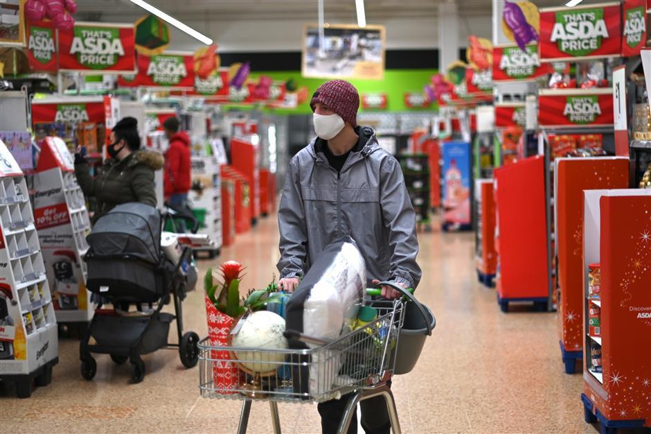 Britons urged not to hoard food amid EU impasse