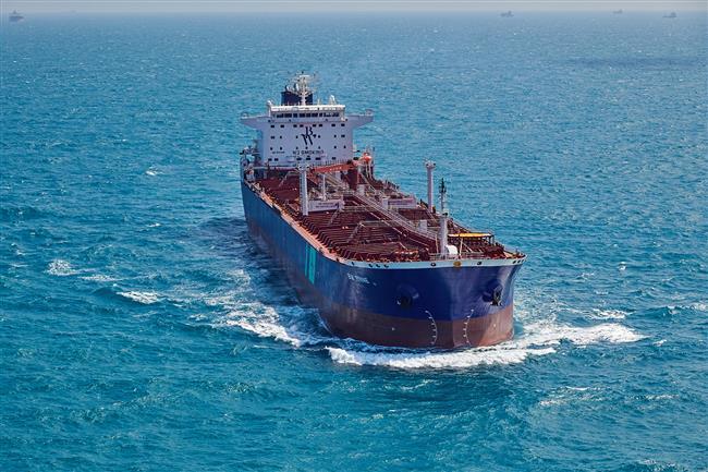 External source hits oil tanker off Saudi port city