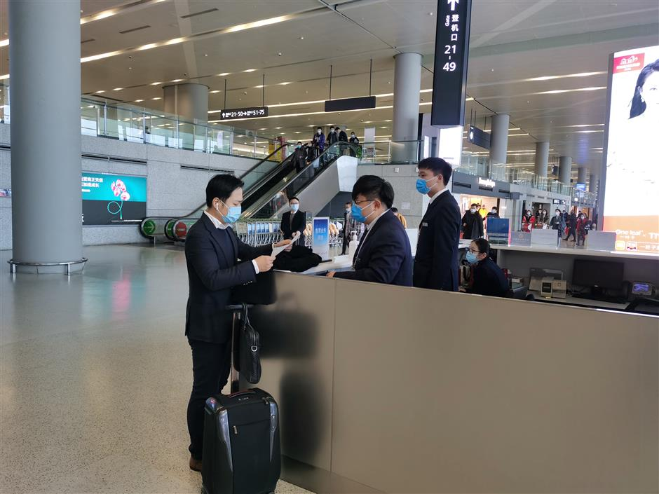 New ticket counter enables fast rebooking at boarding gates