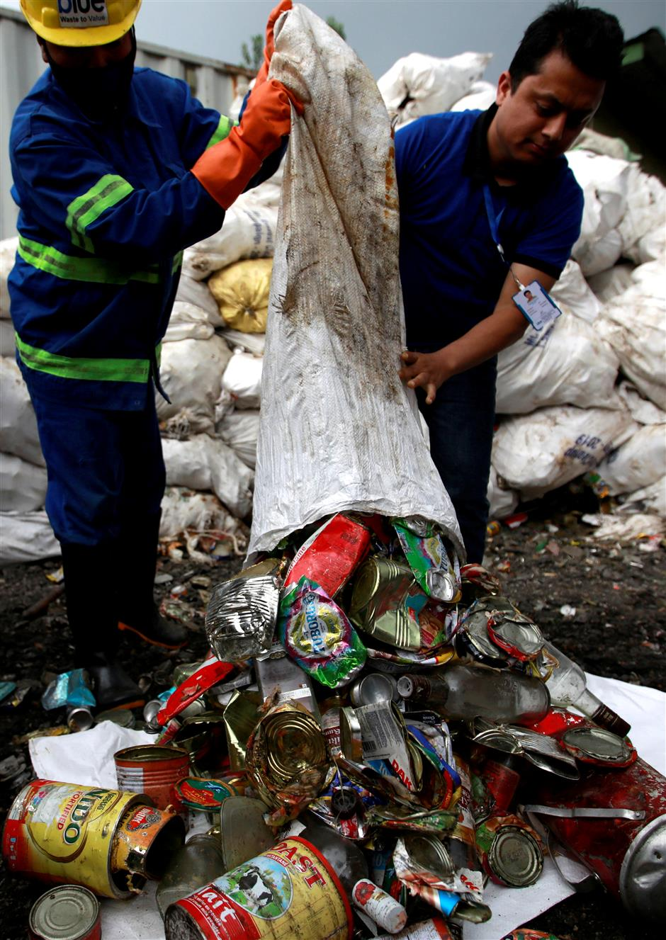 Trash collected from Mt Everest goes into art