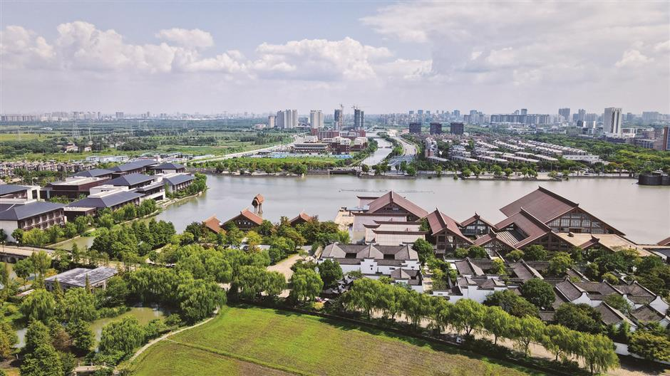 Shanghai planning to develop new cities