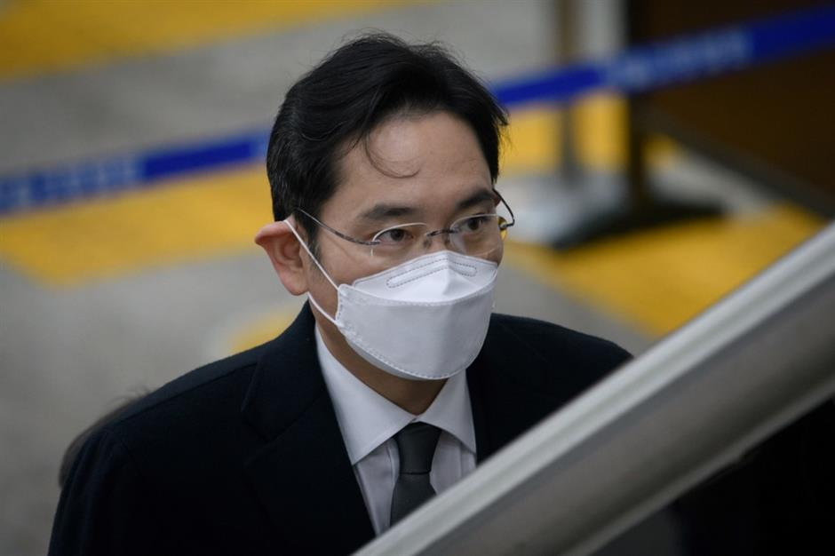 Samsung chief will not appeal 2.5-year jail term: lawyer