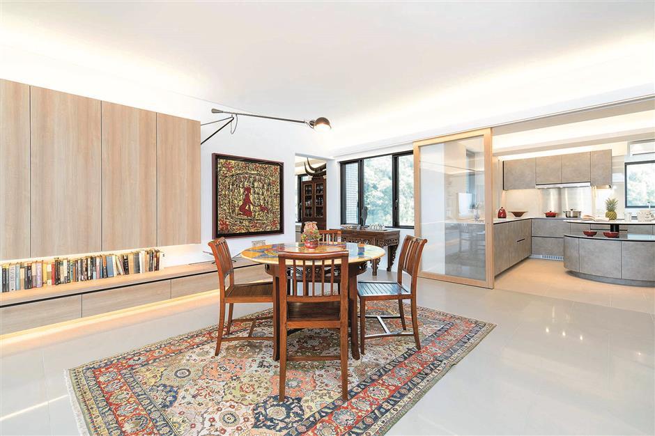 Minimalist modern HK abode absorbs hip NY loft feel