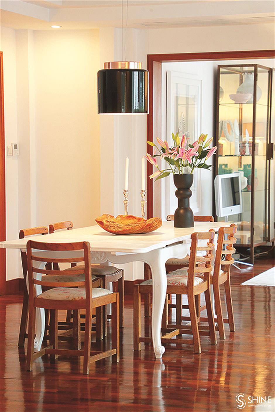 Calm, comforting, family sanctuary allows artistic creativity to blossom