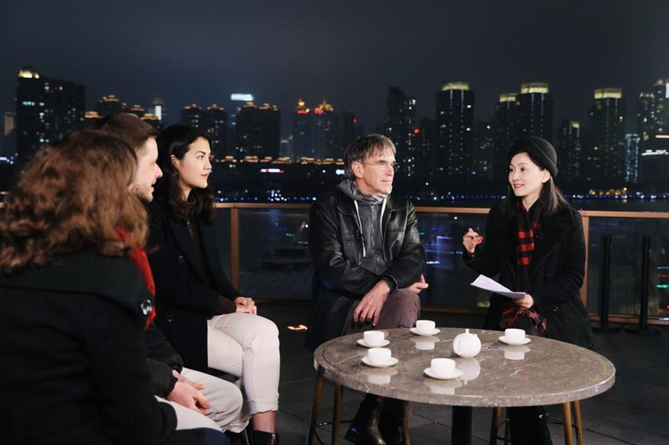 Expats living in Shanghai come face-to-face with ordinary CPC members