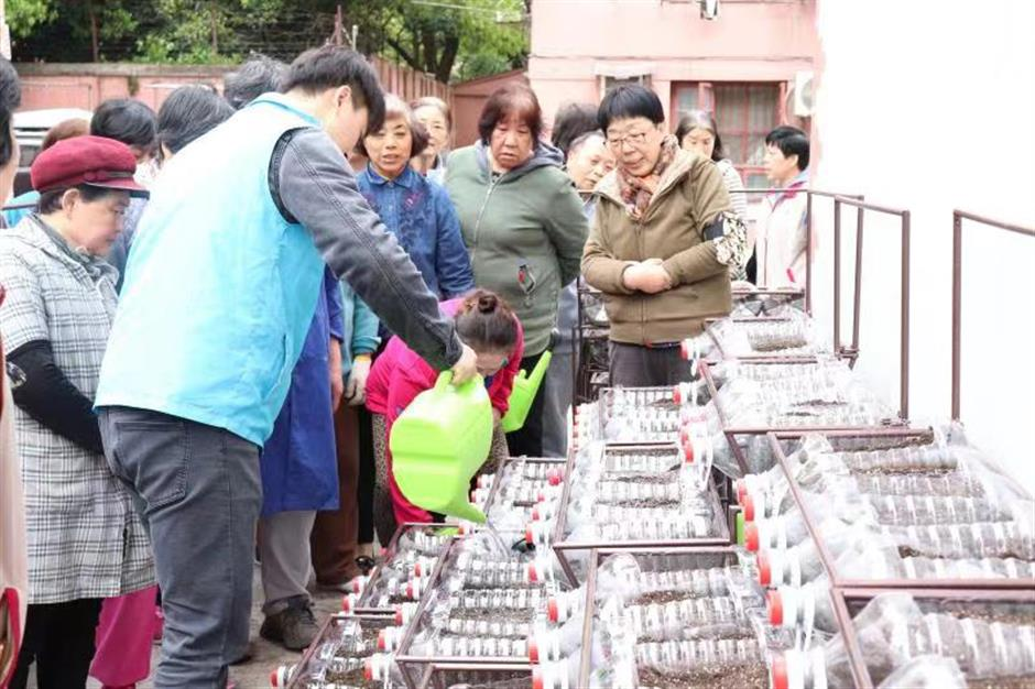 Xuhui lectures promote good Samaritan spirit