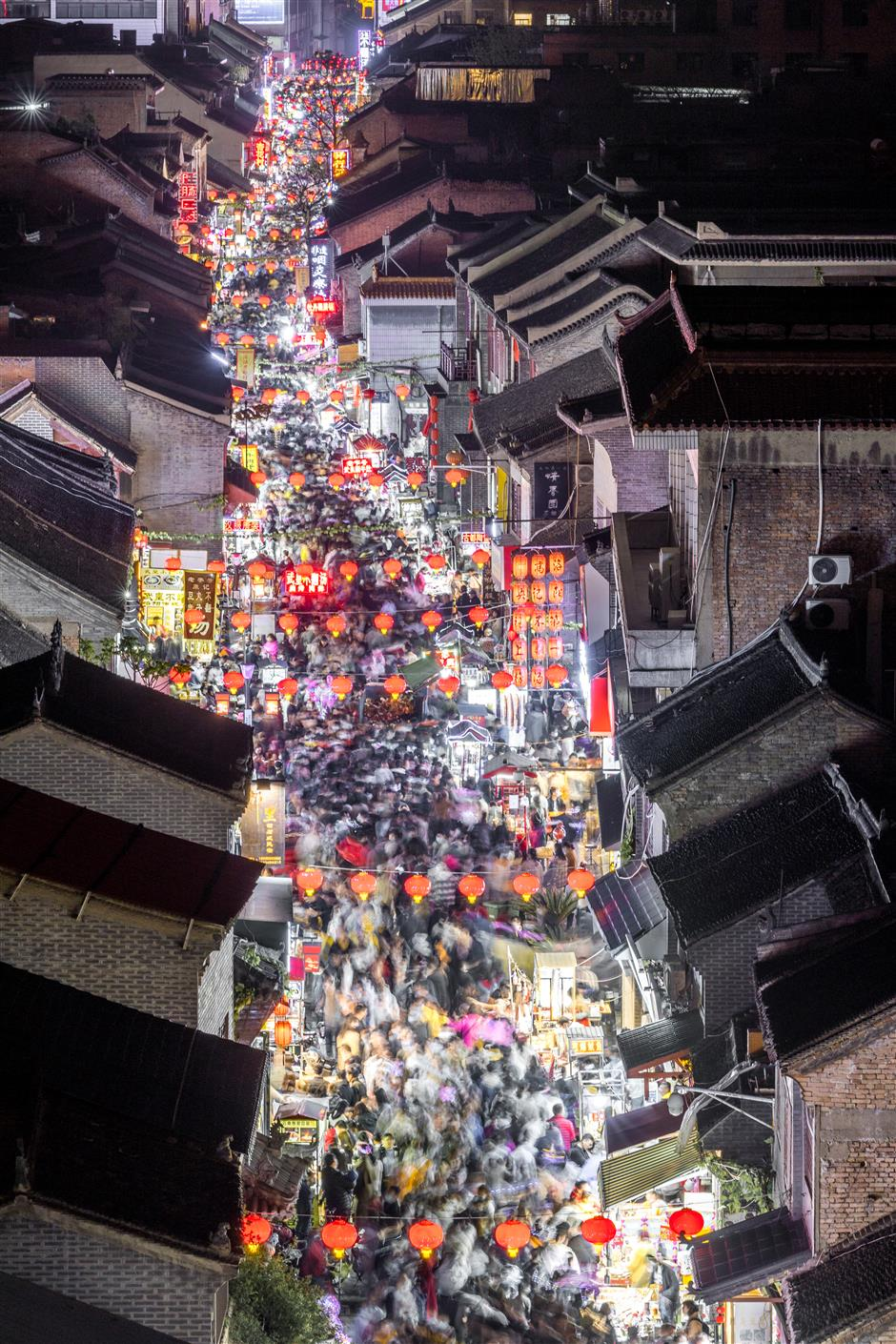 Chinas domestic tourism near pre-epidemic level during Qingming holiday