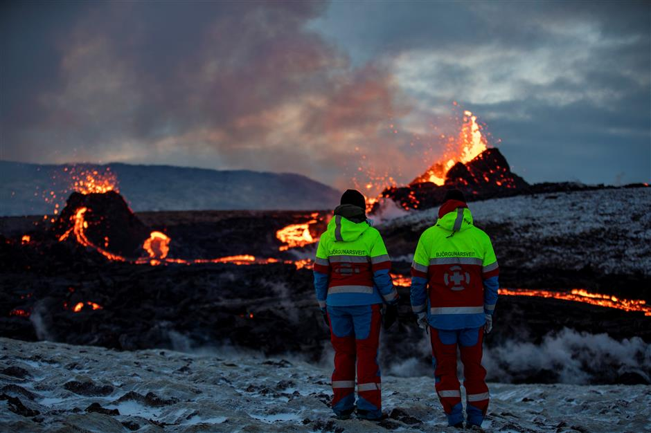 New lava stream seen from Icelands volcano