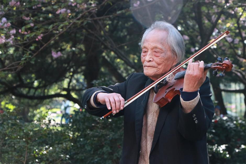 Cloud concert celebrates close ties between Shanghai and Wuhan