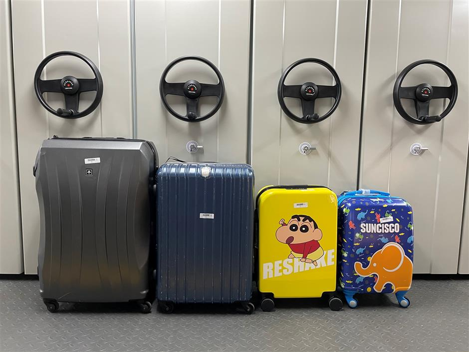 Suitcases sold at malls fail quality tests
