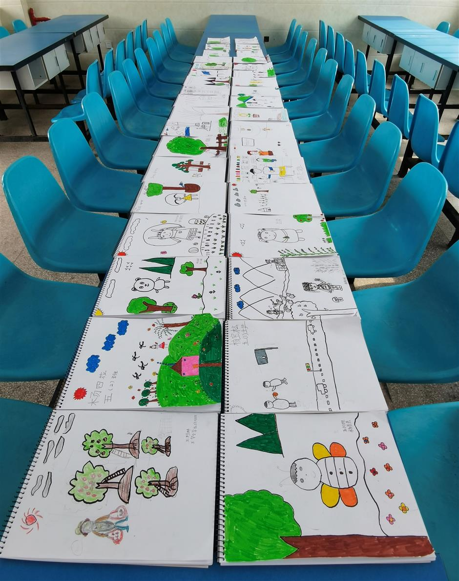 City volunteers inspire rural childrens art dream