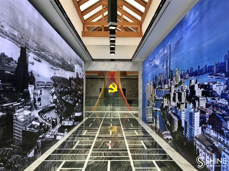 Art exhibition celebrates 31 years of Pudong development