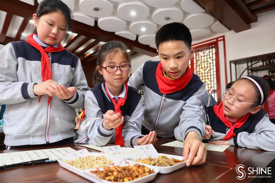 Children introduced to the poetry of TCM