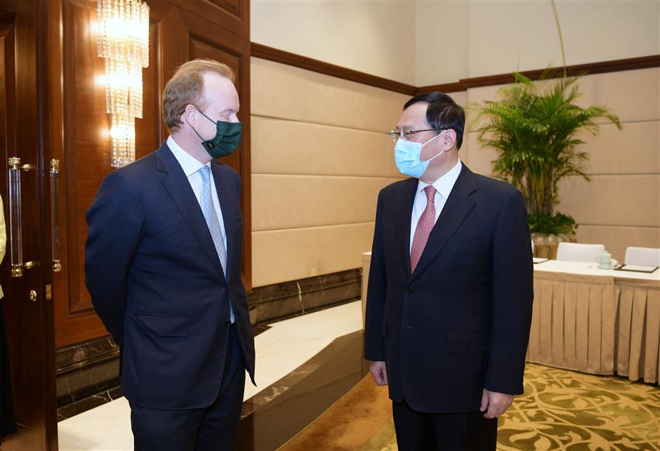 Party Secretary Li Qiang meets John Swire CEO