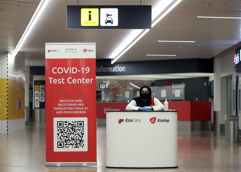 EU edges closer to deal on COVID-19 travel certificate
