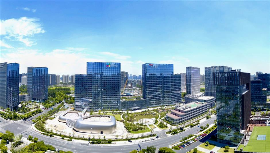 New measures unveiled at Binjiang talent fair