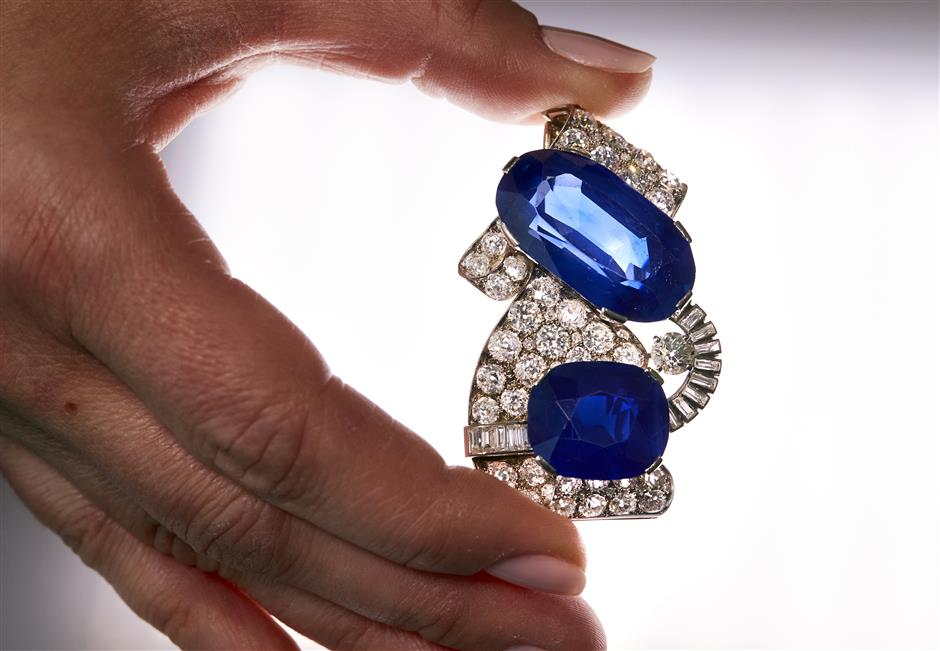 Instagram tiara and Kashmir sapphire shine in auction