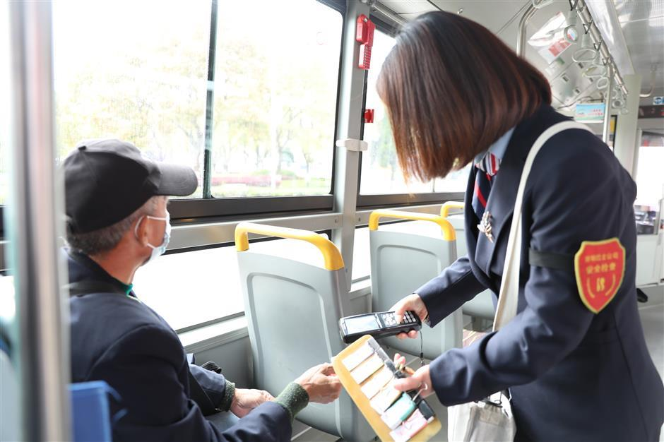Going the extra mile for first-class bus service