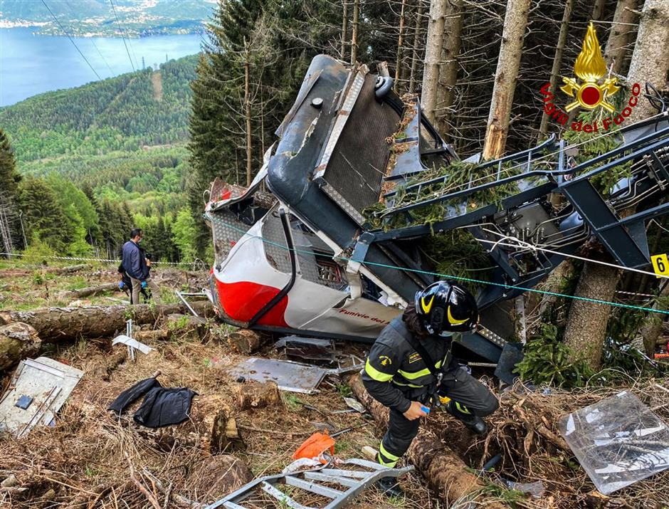 Italy probes tragic cable car crash in which 14 died
