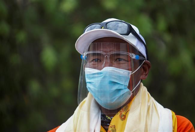 Sherpa abandons 26th Everest bid after a bad dream