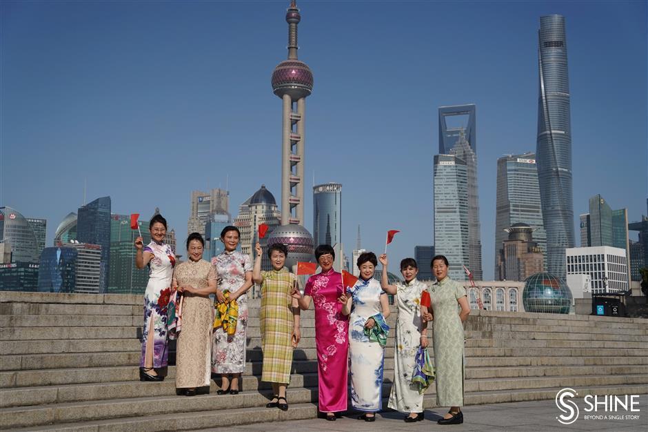 Qipao festival showcases city's synonymous dress