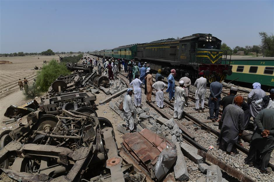 Disrupted Pakistan railway line reopened