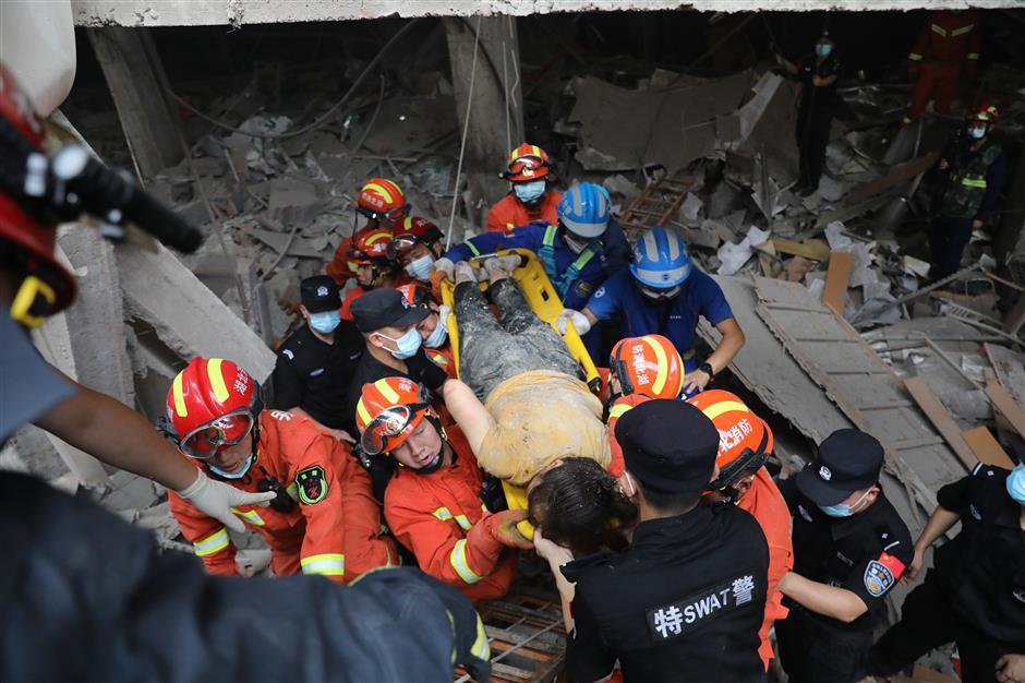 Gas explosion in Hubei kills at least a dozen, rescue underway