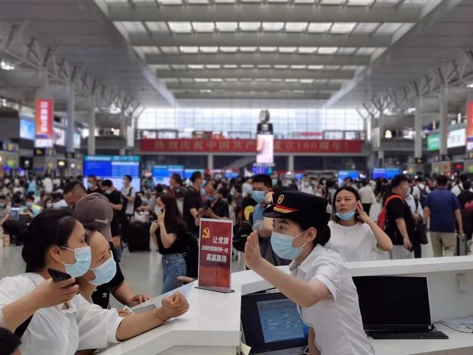 Holiday railway trips exceed pre-pandemic numbers
