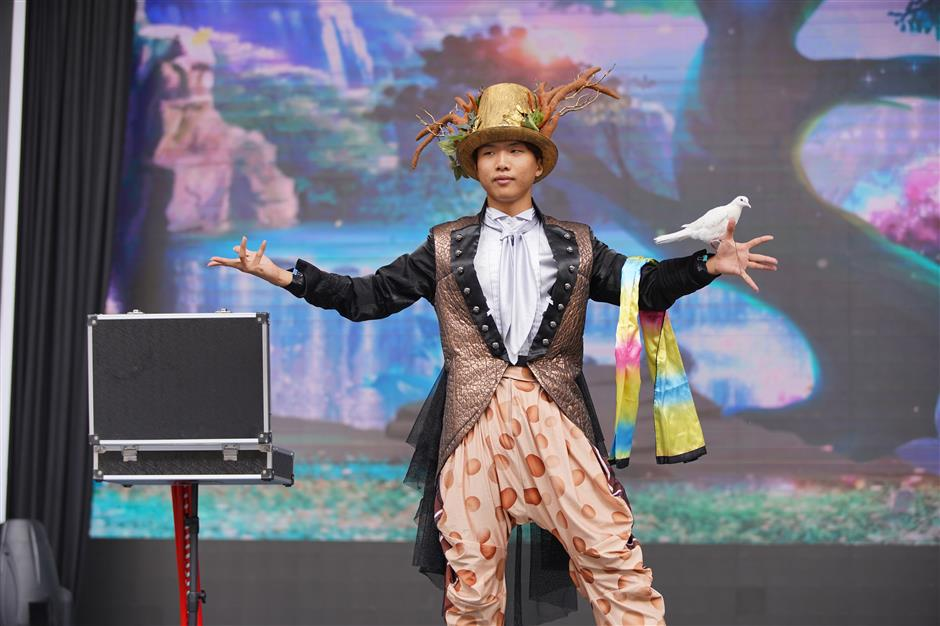 World of acrobatics, magic for all the family