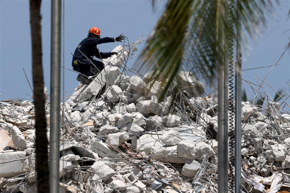 Death toll rises to 78 in US Florida building collapse