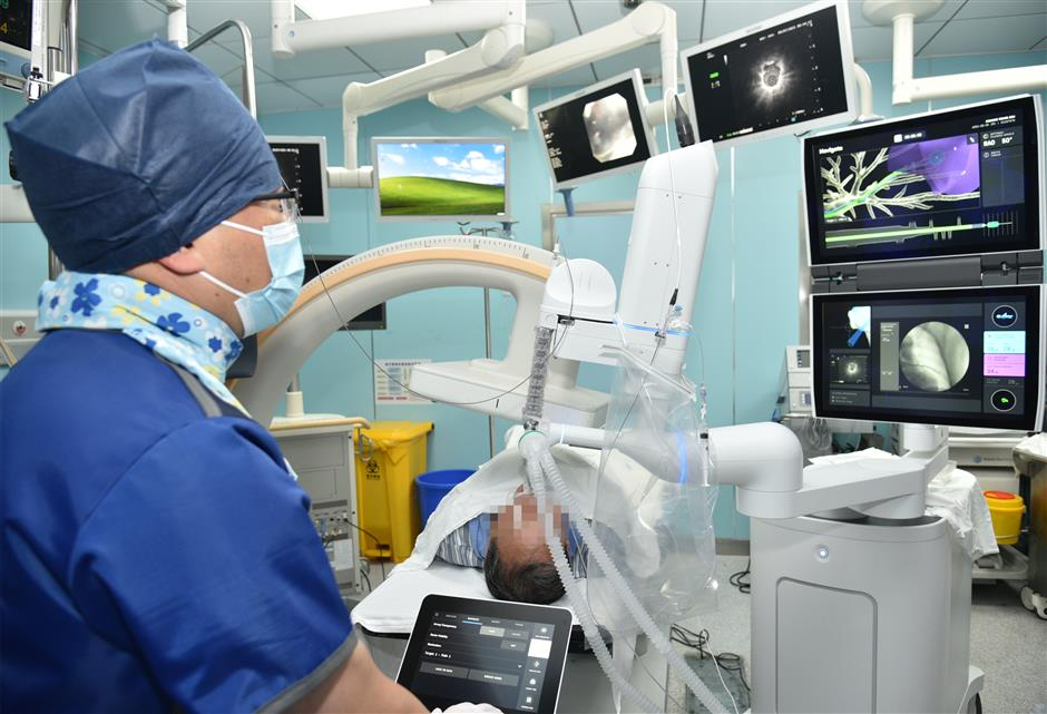 Shanghai hospital achieves lung biopsy breakthrough