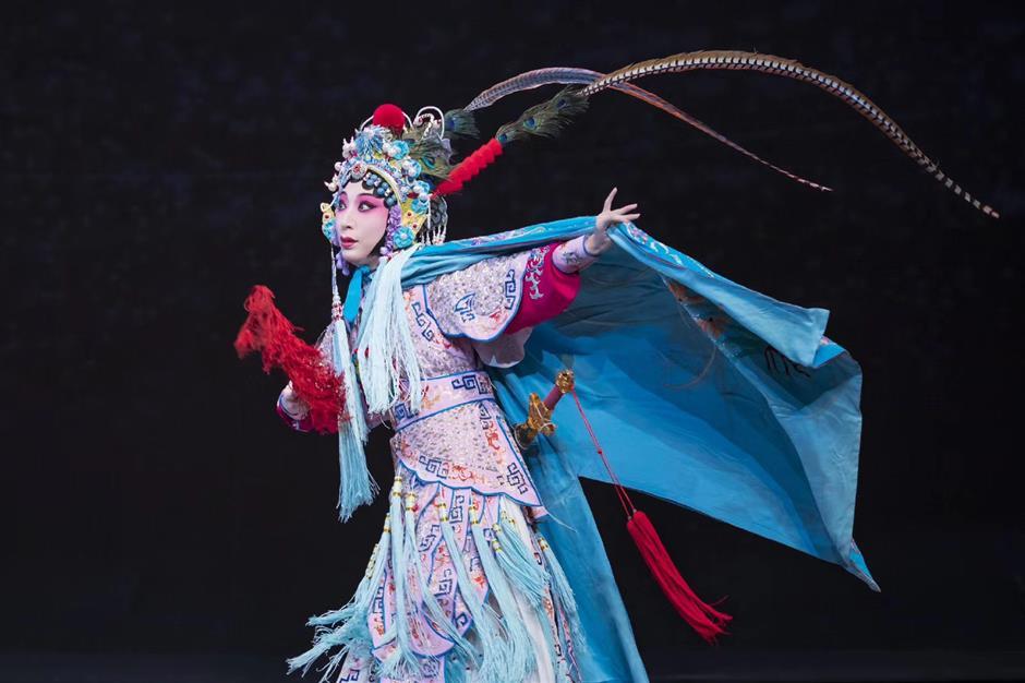 Following in footsteps of Peking Opera legend
