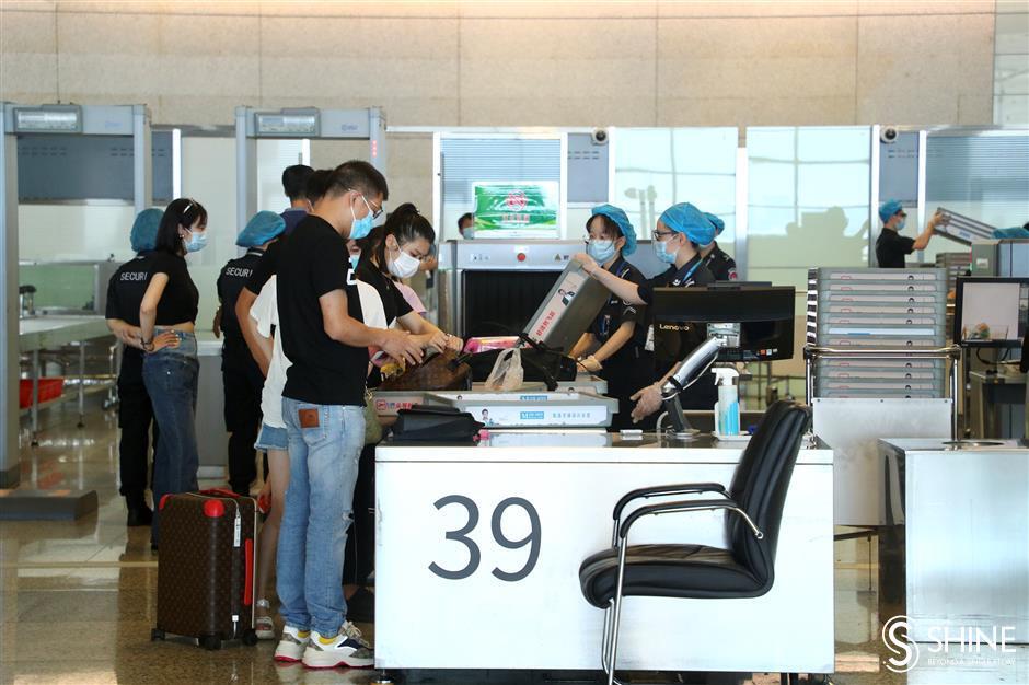 Up, up and away at rebounding Hongqiao Airport