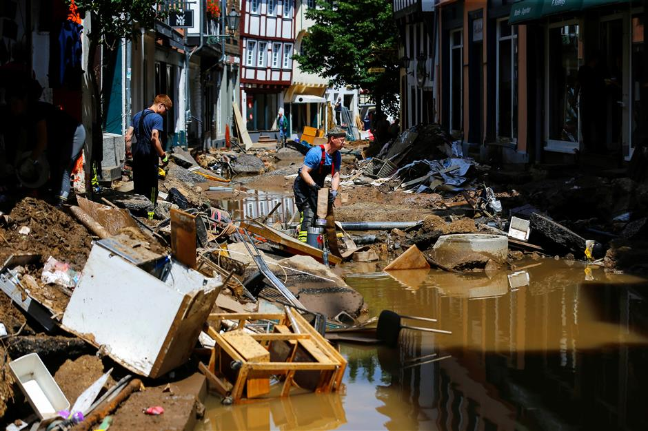 Europe flooding toll over 180 as rescuers dig deeper