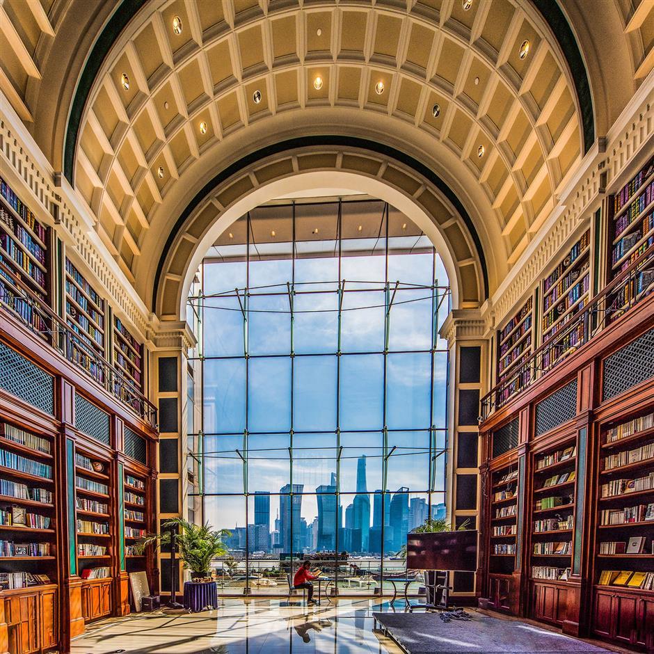 Exhibition offers lens-eye journey through splendor of city buildings