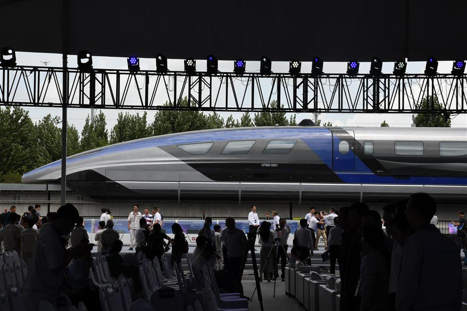 World's first 600 km/h high-speed maglev train rolls off assembly line