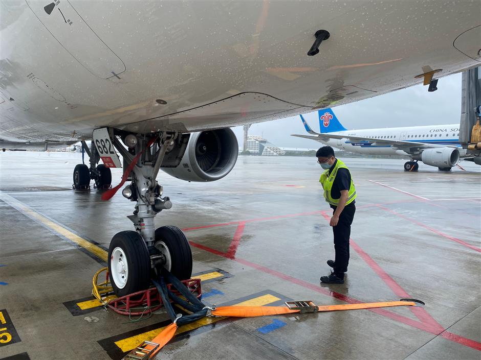 Pudong, Hongqiao airports restore operations as In-Fa wanes