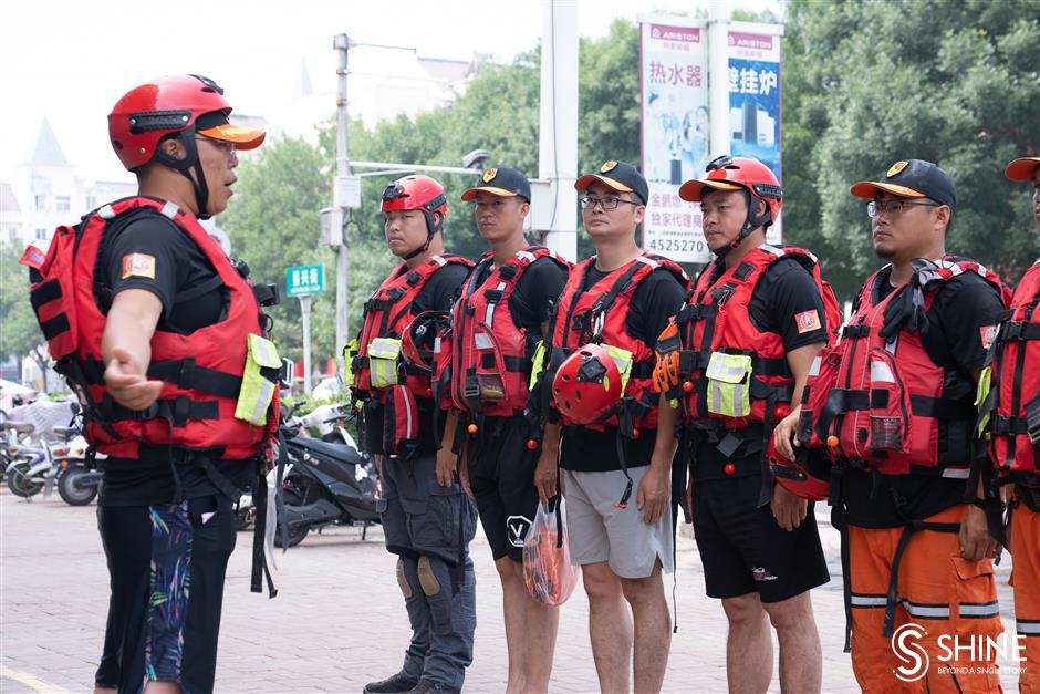 Shanghai rescue team supporting Henan floods heads back to help with typhoon