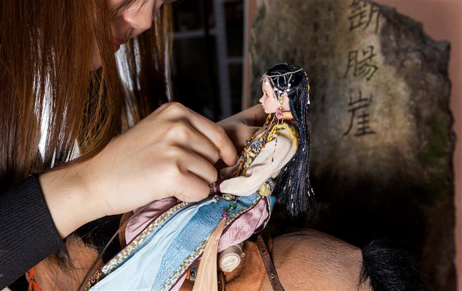 'Doll mothers:' collectors and their alter egos