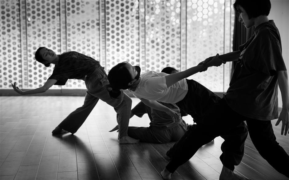Dancers perform emotional self-exploration
