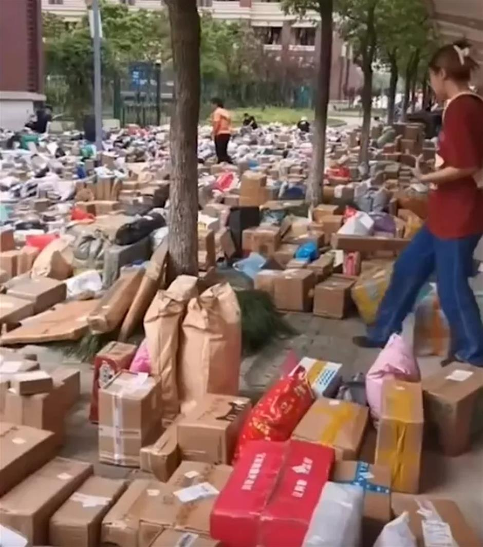 Parcels block access for returning university students