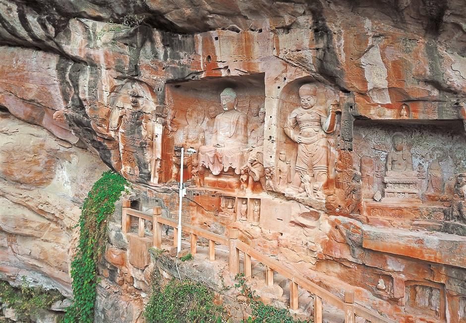 Huazhi Temple's Buddhist grottoes still breathtaking after 1,200 years