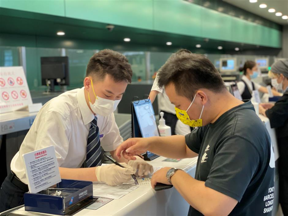 Flights cancelled for Shanghai ahead of Typhoon Chanthu