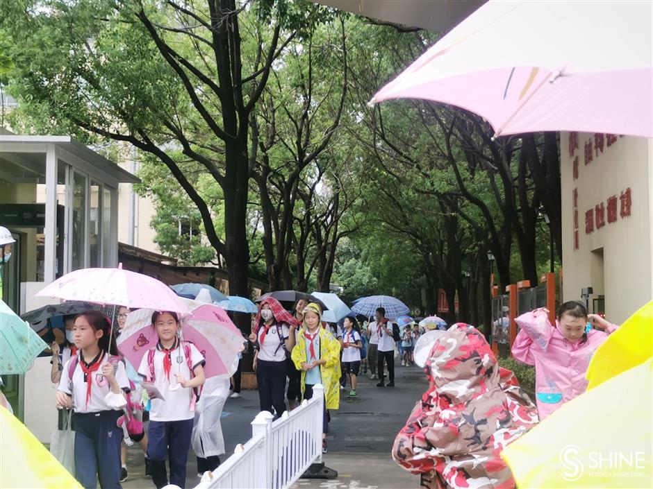Half-day school as Shanghai students get typhoon respite