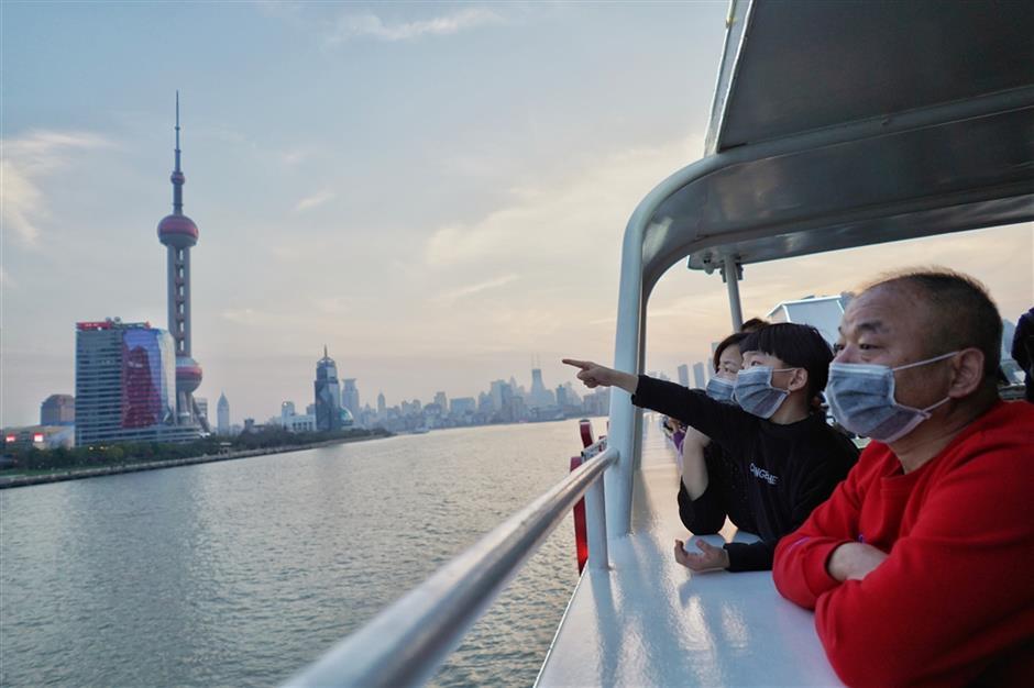 Shanghai tourist hotspots offer half-price admission