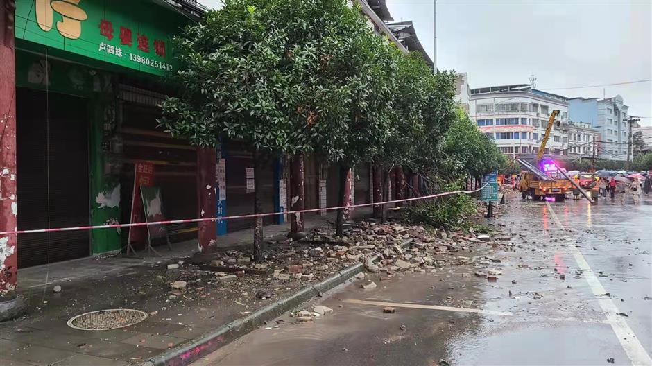 6.0-magnitude quake in SW China's Sichuan kills 2, injures 3